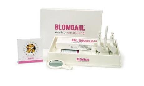 Blomdahl Zestaw do przekłuwania uszu + prezenter